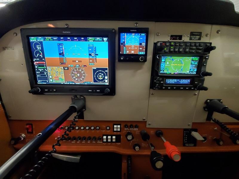 737YU panel
