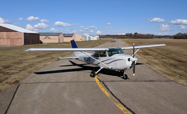 Cessna-172-N61879